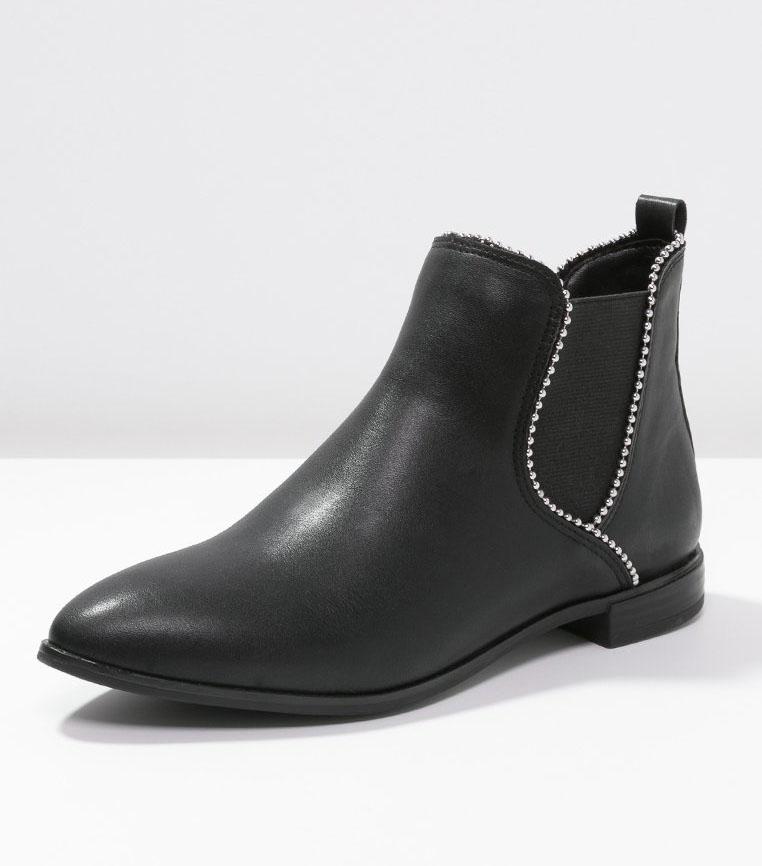 Boots Anna Field